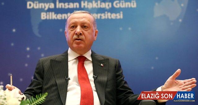 """Cumhurbaşkanı Erdoğan'a """"İdolünüz Kim?"""" Diye Sordular, Verdiği Yanıt Salonda Büyük Alkış Aldı"""