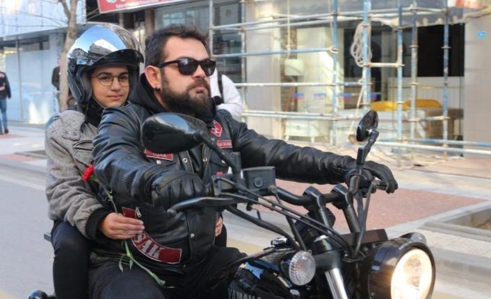 Engelli minikler motosikletle şehir turu attı