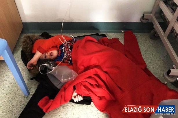İngiltere'de Hasta Çocuğun 4 Saat Hastanede Yerde Yatması, Başbakan'a Özür Diletti