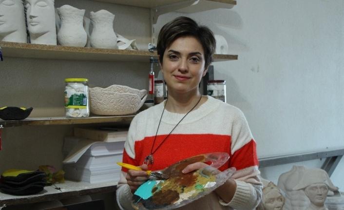 İranlı heykel sanatçısı eserlerini Eskişehir'de üretiyor
