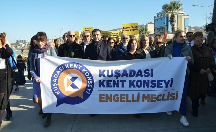 Kuşadası'nda engelli vatandaşlar engelsiz bir dünya için yürüdü