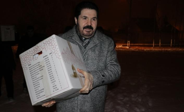 Ağrı Belediye Başkanı Sayan'dan, yılın ilk bebeğine hediye