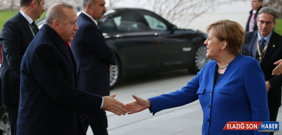 Cumhurbaşkanı Erdoğan, Libya Konferansı'nın Yapıldığı Otelden Ayrıldı
