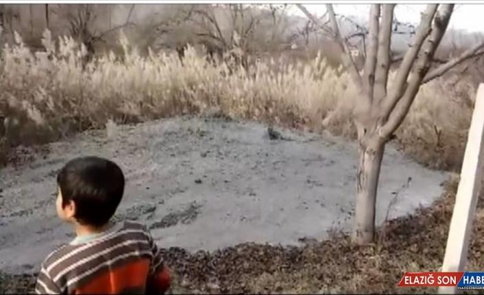 Depremden etkilenen Malatya'da bir bahçeden kaynak suyu çıktı