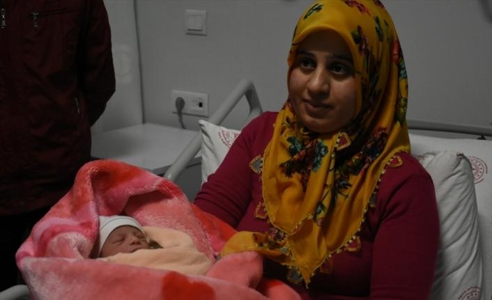 Malatya, Adıyaman ve Şanlıurfa'da yılın ilk bebekleri dünyaya geldi