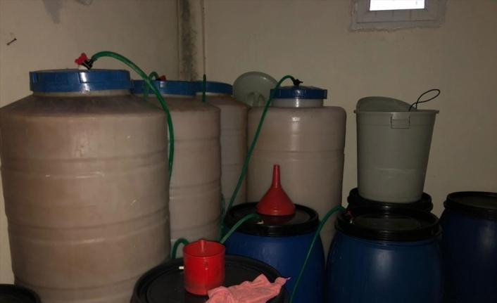 Malatya'da 3 bin 560 litre sahte içki ele geçirildi