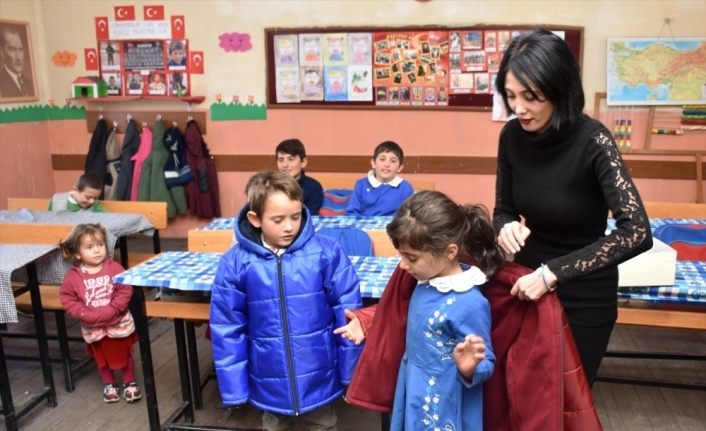 Öğretmenin öğrencileri için yardım çağrısına AFAD yanıt verdi