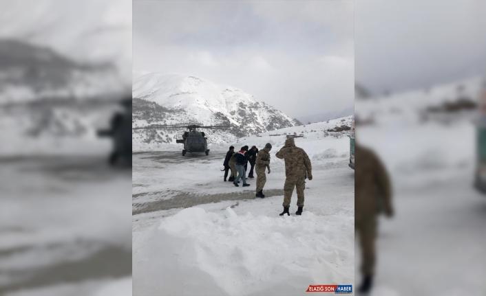 Askeri helikopter, diyaliz hastası kadın için havalandı