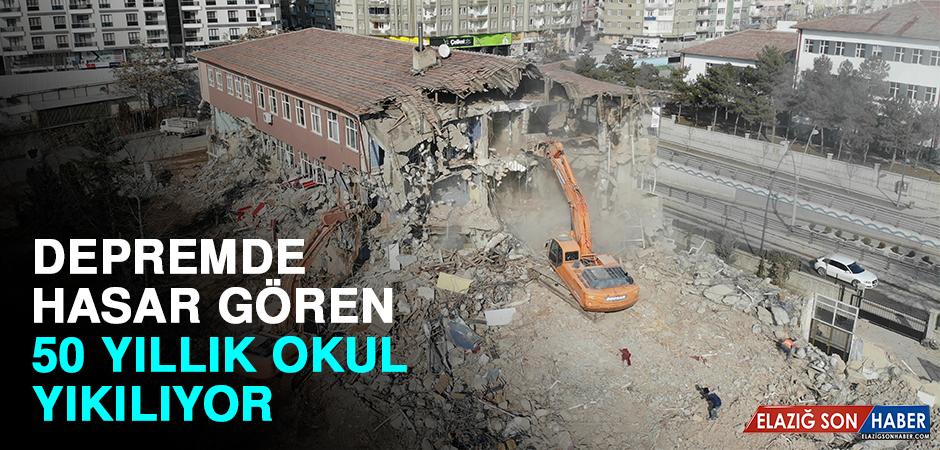 Depremde Hasar Gören 50 Yıllık Okullar Yıkılıyor