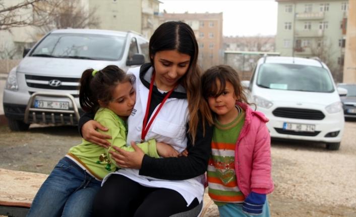 Elazığ'da depremzedelere psikososyal destek hizmeti devam ediyor