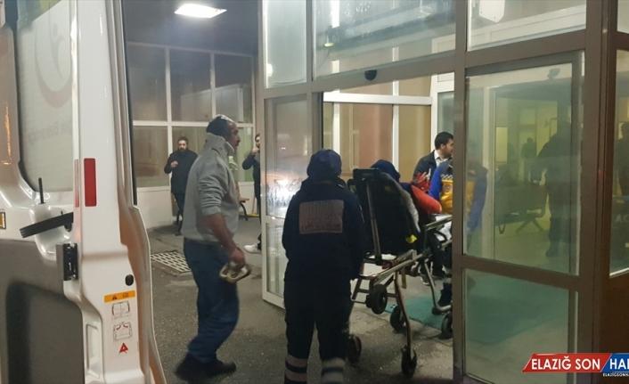Erzincan'da iki aile arasında çıkan kavgada 11 kişi yaralandı