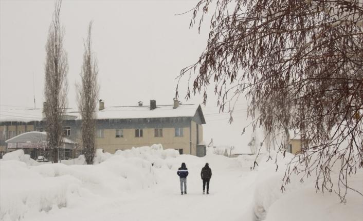 Ovacık'ta kar kalınlığı 2 metreye ulaştı
