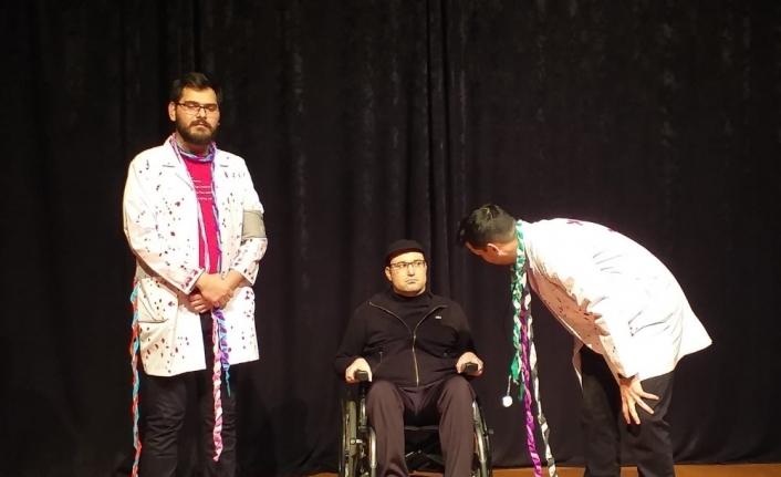 Turgutlu Belediyesinden Elazığ yararına tiyatro oyunu