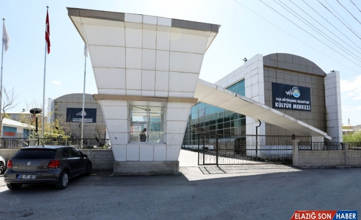 Van Büyükşehir Belediyesinin müzik akademisi kayıtları başladı