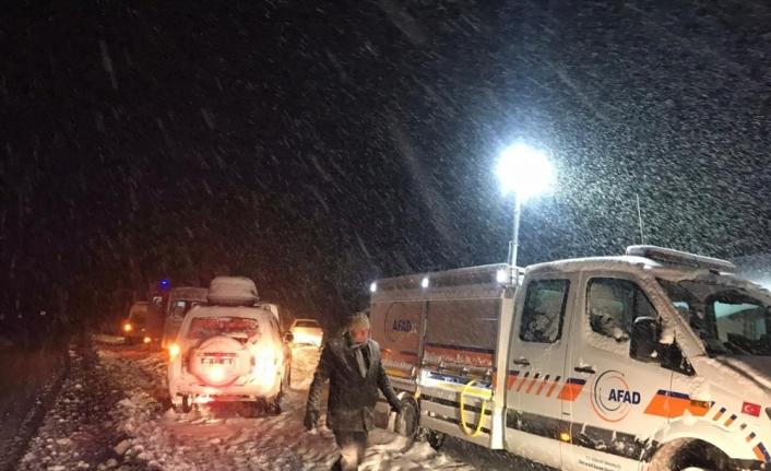 Van'da donma tehlikesi geçiren düzensiz göçmenler yakalandı