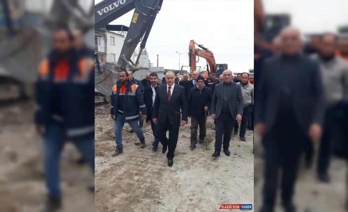 Yol-İş Sendikası Genel Başkanı Ağar deprem bölgesinde incelemede bulundu