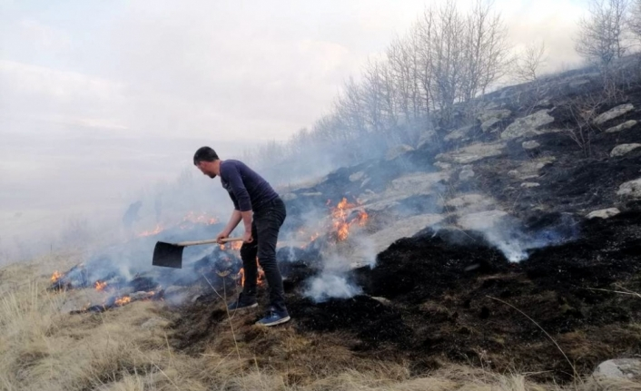Ardahan'da çoban ateşi örtü yangınına neden oldu
