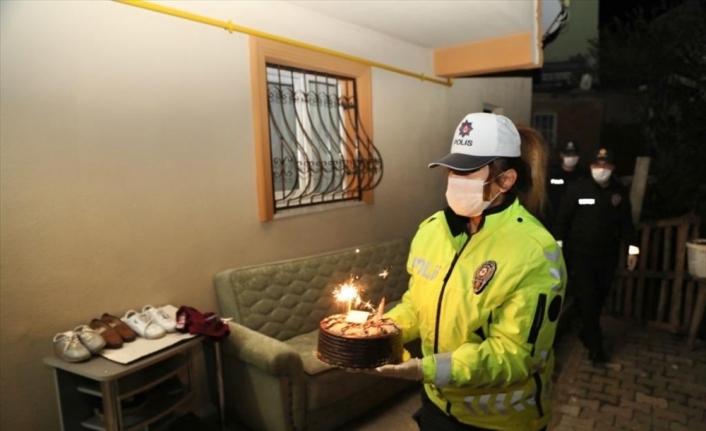 Bingöl'de 155'ten pasta isteyen çocuğa doğum günü sürprizi