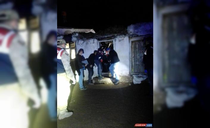 Kars'ta çöken odanın enkazında kalan kadın öldü