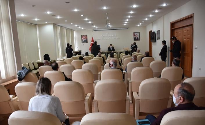 Kars'taki iki hastanede Kovid-19 tanı testi yapılıyor