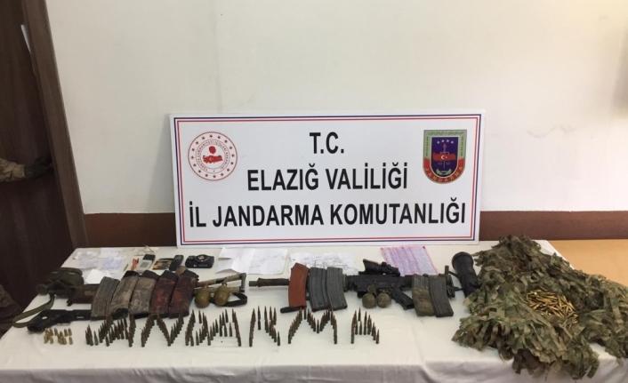 Elazığ'da 2 teröristin etkisiz hale getirildiği operasyonda, silah ve mühimmat ele geçirildi
