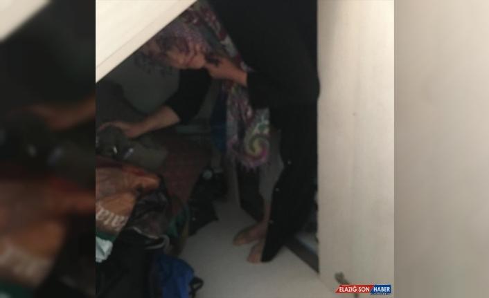 Elazığ'da aranan FETÖ şüphelisi kadın köy evinde saklandığı gizli bölmede yakalandı