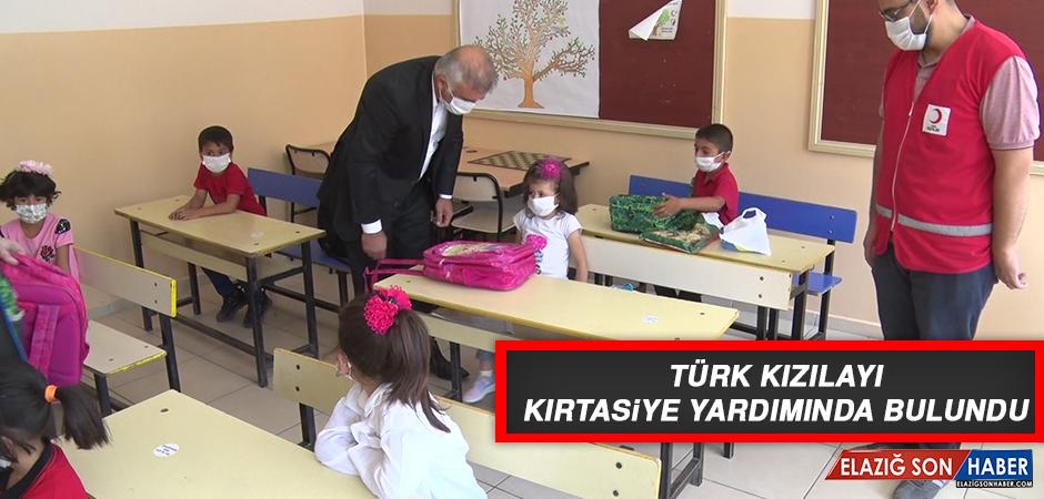 Türk Kızılayı Kırtasiye Yardımında Bulundu