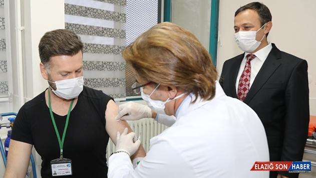 Yerli aşı adayında ilk doz Erciyes Üniversitesi'nde uygulandı