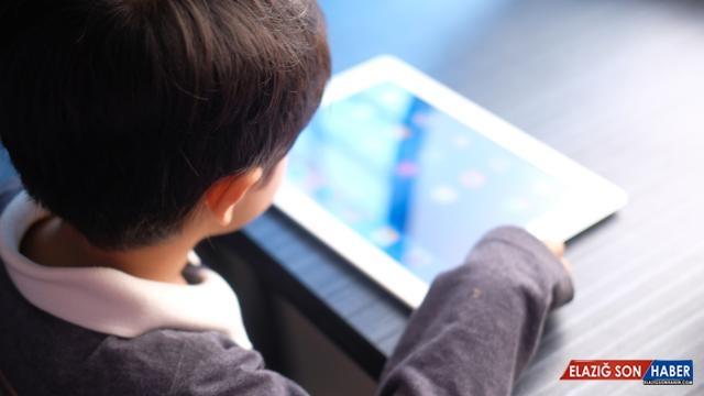 Çocukları korumak için ebeveynlere 'Dijital Rehber'
