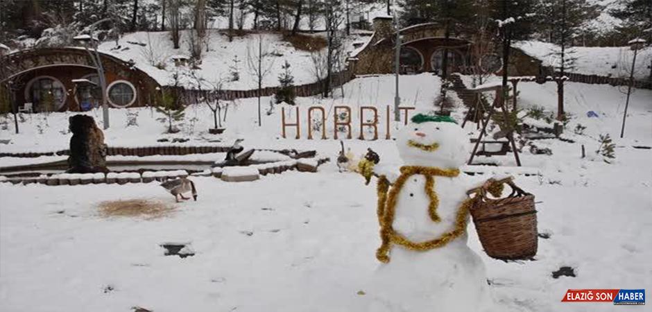 """""""Hobbit Evleri"""" Kış Güzelliğine Büründü"""