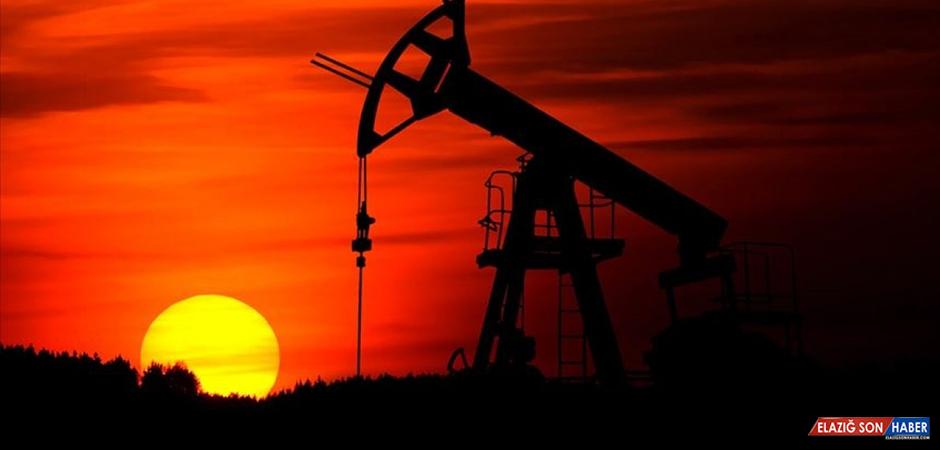 Stok Verileri Öncesi Petrol Fiyatları Yüzde 1'den Çok Yükseldi