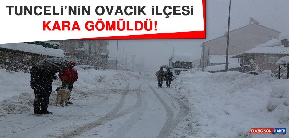 Tunceli'nin Ovacık İlçesi Kara Gömüldü