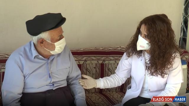 Aşı olan vatandaştan kadın doktora: Düğününe geleceğim