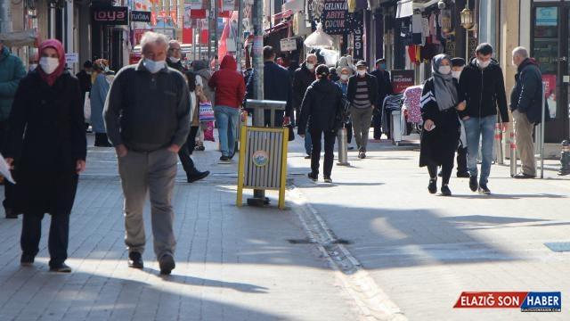 'Zirve'de yer alan Samsun'da sokaklar kalabalık