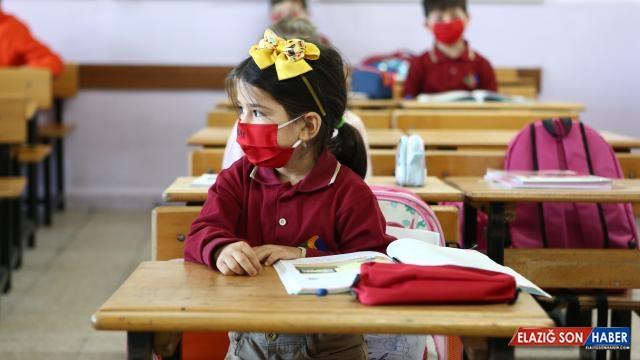 Bilim Kurulu Üyesi: Aşının Çocuklarda Uygulanabilir Tarafına Geldik