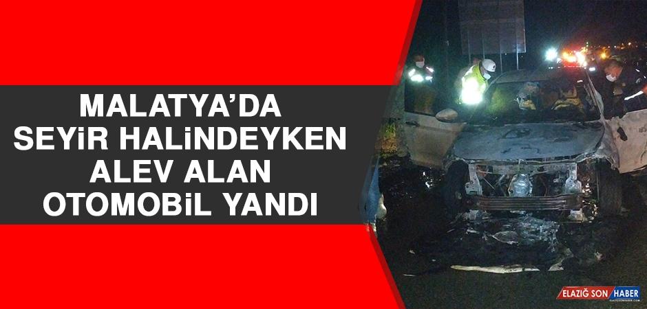 Malatya'da Seyir Halindeyken Alev Alan Otomobil Yandı
