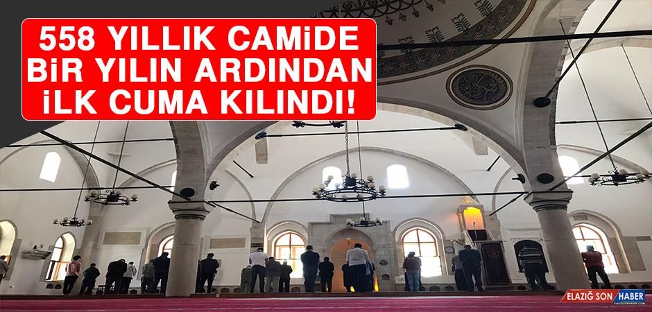 558 Yıllık Camide Bir Yılın Ardından İlk Cuma Kılındı