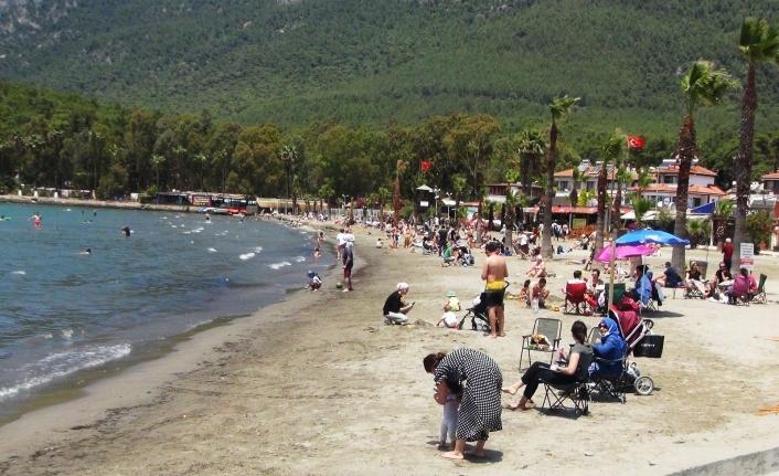 Kısıtlama bitti, sahiller doldu