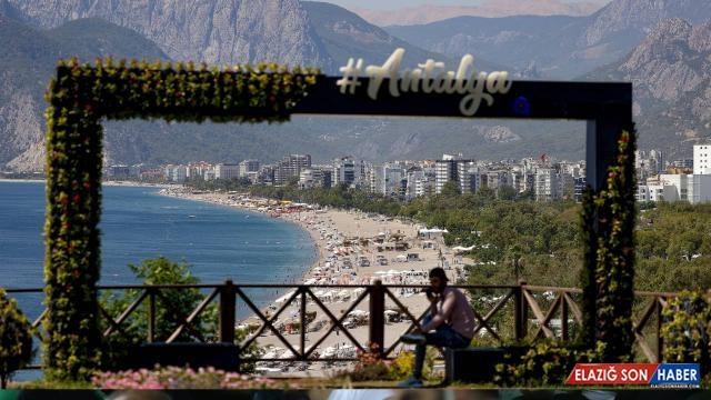 Antalya 8 ayda 5 milyonu aşkın turisti ağırladı