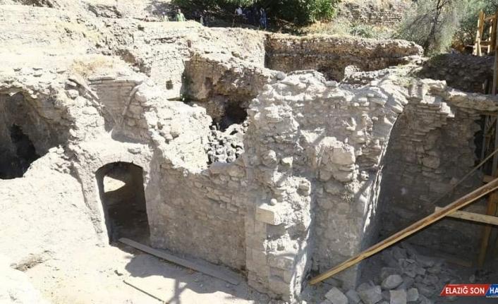 387 yıllık Hoca Hasan Hamamında restorasyon çalışmaları sürüyor