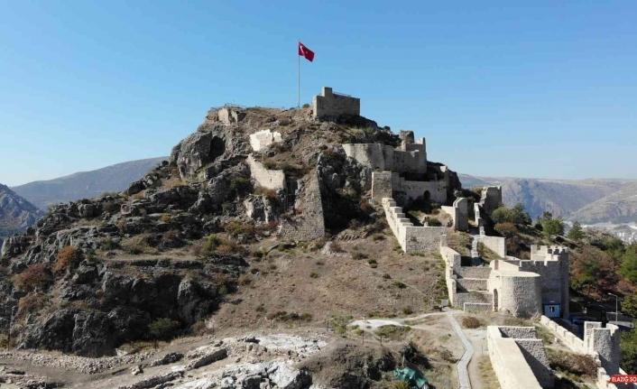 'Amasya Kalesi'nden tarih fışkırıyor