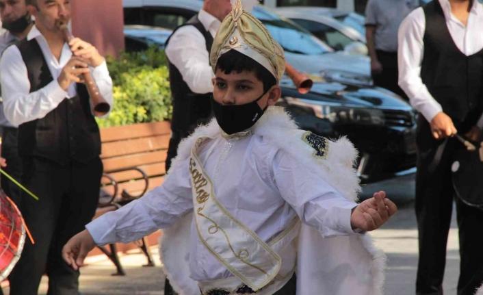 Menteşe'de şenliğin ikinci günü sünnet şöleni ile başladı