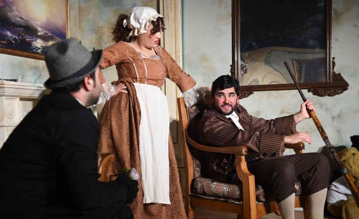 Tarsus Şehir Tiyatrosu 'Çehov Vodvil'i sahneleyecek