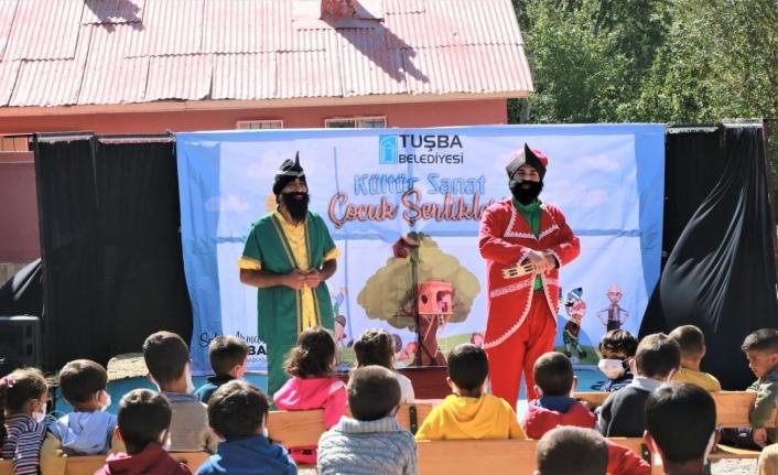 Tuşba Belediyesinden öğrencilere yönelik tiyatro etkinliği