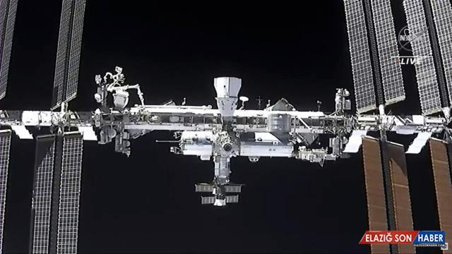 Uzayda ilk uzun metrajlı filmi çekecek ekip UUİ'ye gönderildi