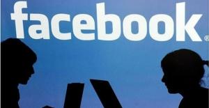 """Facebook'tan """"Hesabınız Ele Geçirilmiş"""" Uyarısı"""