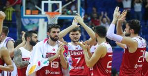 Türkiye, Çeyrek Final İçin Sahaya Çıkıyor
