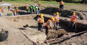 TANAP Boru Hattı Kazılarında Roma Mezarları Bulundu