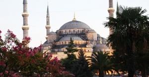İstanbul'a Gelen Turist Sayısı Yüzde 16 Arttı