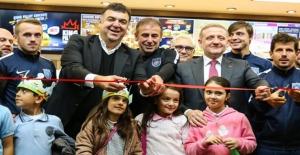 Minik Kahramanlara Medipol Başakşehir'den Moral Ziyareti